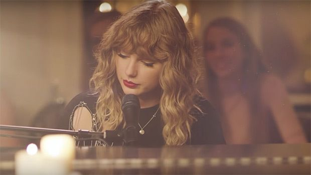 Taylor Swift Gushes Over Her Love For Joe Alwyn In Romantic Song 'New Year's Day' https://www.biphoo.com/bipnews/entertainment/music/taylor-swift-gushes-love-joe-alwyn-romantic-song.html Taylor Swift Apple Music, Taylor Swift New Album, Taylor Swift New Song, Taylor Swift Reputation Album, Taylor Swift Songs https://www.biphoo.com/bipnews/wp-content/uploads/2017/11/Taylor-Swift-7.jpg
