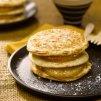 Recette pancakes façon Hamburger, ananas poêlés et sucre noix de coco - Marie Claire Idées