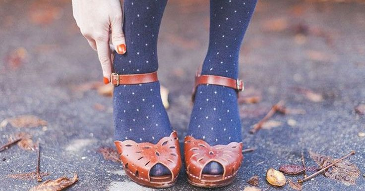 love tights with open toe shoes