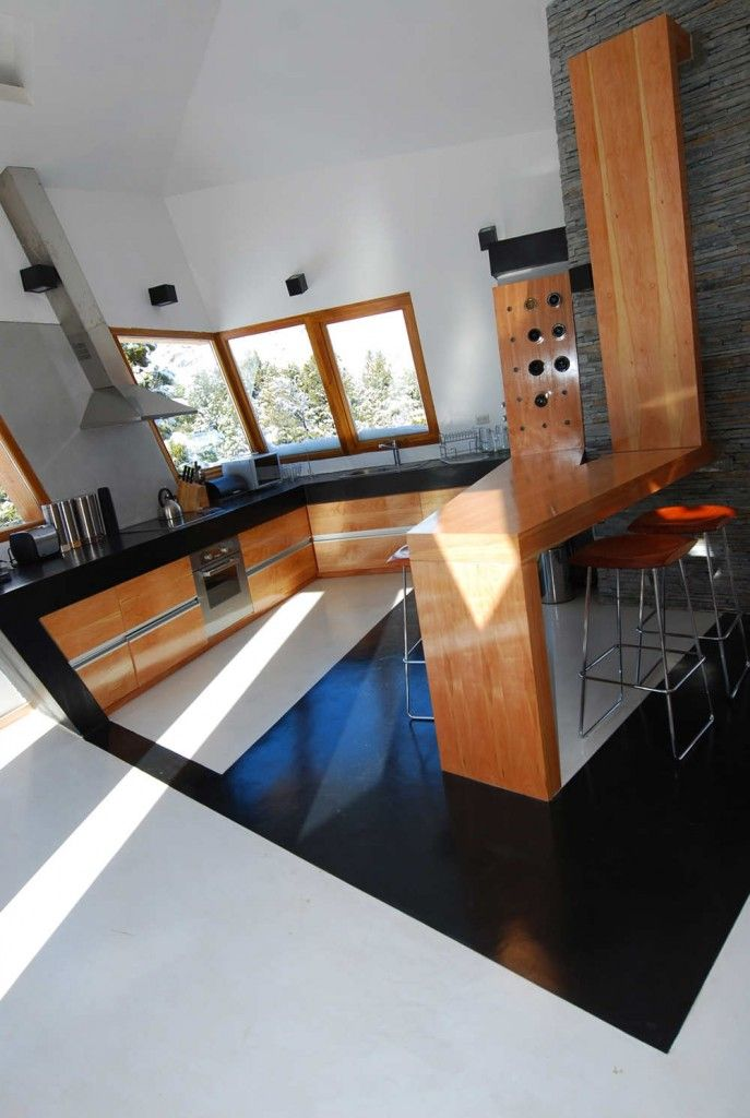 Ribbon Vacation House by G2 Estudio | HomeDSGN