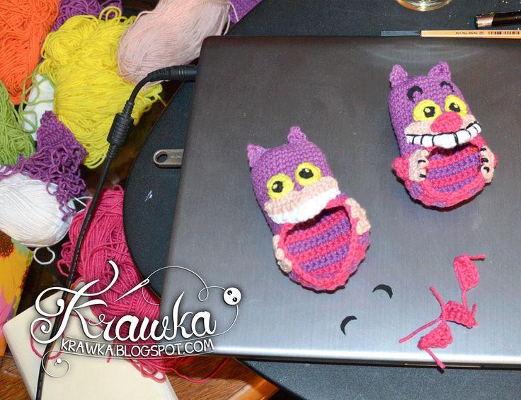 Krawka: Potworne buciki - kot z Cheshire