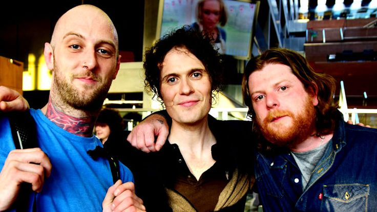 The Fratellis – Live At Reading 2008 – Past Daily Soundbooth – The Fratellis - live at Reading Festival 2008 - BBC 6 Music - The Fratellis to end the week. Don't know why, but I realized it's been almost 4 years since I did a post on one of my favorite bands of recent years. I always liked their high-voltage energy, and was genuinely sad to hear they had... #anniemac #bbc #bbcradio1