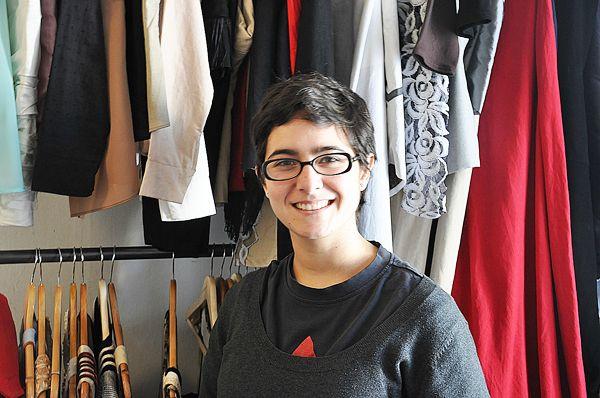 Lupe Gajardo: diseñadora en alza Janis Joplin, Famous Faces, Chile, Culture, Fashion, March, Moda, Fashion Styles, Fashion Illustrations