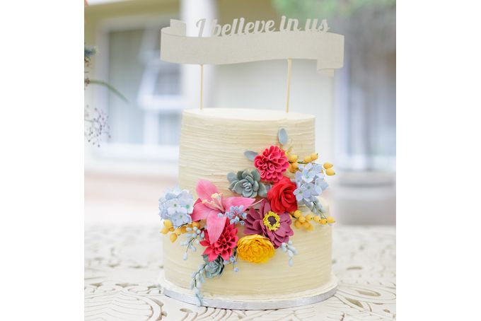 Gold Glitter 'I believe in us' cake topper by Match Set Love on http://hellopretty.co.za