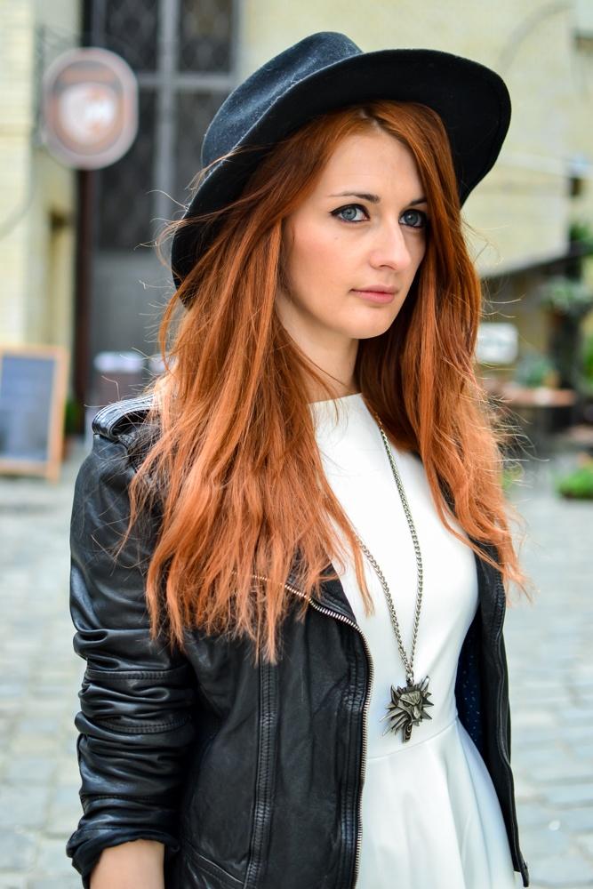 www.venilakostis.com and NIFE's dress-> www.sklep.nife.pl/p,nife-odziez-stylowa-sukienka-audrey-krem,25,499.html