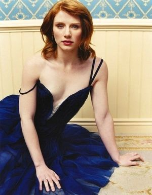 陶器のような肌にマリンブルーのドレスが映える❤︎妖精のようなブライス・ダラス・ハワード❤︎