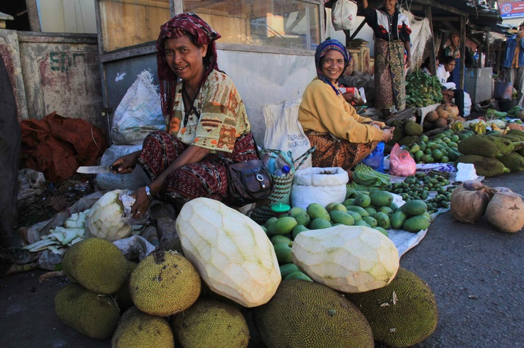 Market in Bajawa, filled with smiling people everywhere, is one of the cleanest markets in the eastern part of Indonesia. Jackfruit is one of the local produce sold to make tasty homemade soup