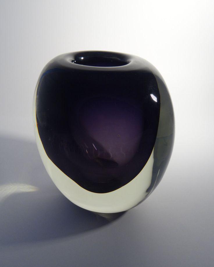 Zdenka Strobachova, 1964, heavy elegant art glass vase, H: 12,0 cm, glassworks Škrdlovice, pattern No: 6430, Czechoslovakia