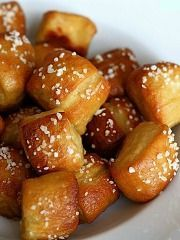 Soft Pretzel Bites with Home Made Mustard and Beer Dipping Sauce  www.partiesthatcook.com