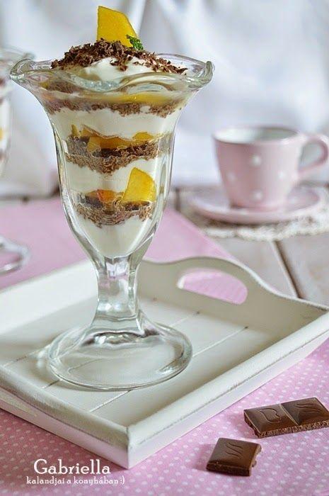 Gabriella kalandjai a konyhában :): Csokis-gyümölcsös réteges kehely