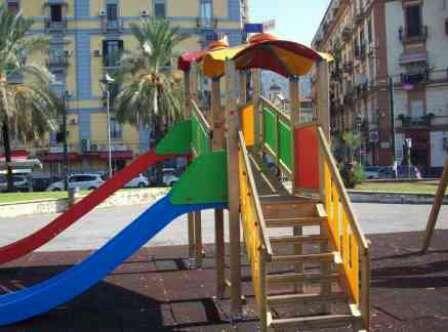 Piazza Nazionale: nuovo parco giochi con i soldi confiscati ai parcheggiatori abusivi