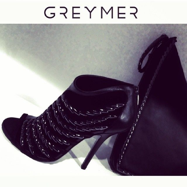 #black leather #sandals, #asymmetrical effect #newcollection #greymershoes #love #shoes & #bags #greymer #picoftheday #photooftheday #instalike #instafashion #fashion #shoppingnow www.greymer.it