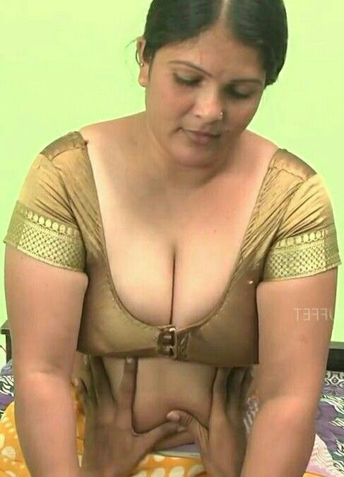 In saree busty indian aunty