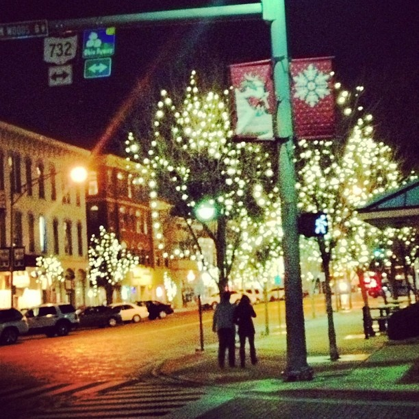 We hope you all had a wonderful Thanksgiving! Our favorite part of the break is returning to see Uptown lit up! What do you love about coming back to Miami? #MiamiOH #holidays #uptown""
