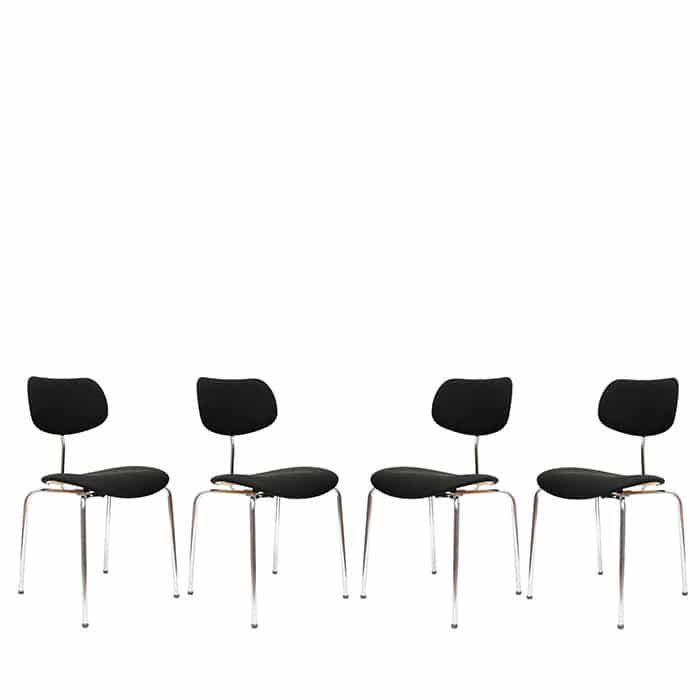 Komplet 4 krzeseł SE 68S proj. Egon Eiermann, dla Wilde + Spieth.Zaprojektowane w 1951 roku,…