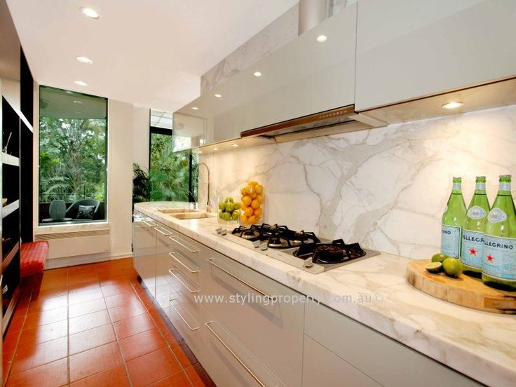 The marble splash back gives a hint of luxury in this inner Sydney unit. Do you like marble?