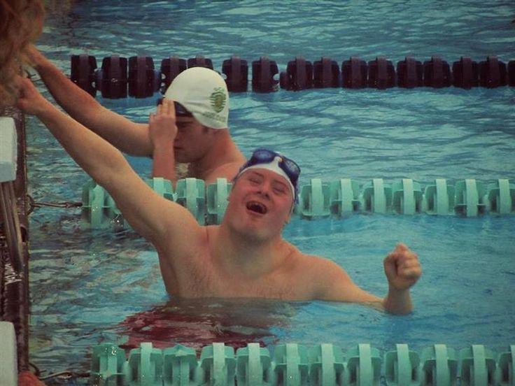 O nadador português de natação adaptada, Filipe Santos, bateuo recorde do Mundo dos 25 metros livres e da Europa dos 25 metros mariposa, no decorrer do Campeonato Nacional de Inverno da Mealhada.