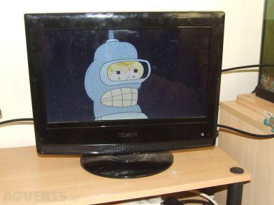 "Television/DVD Combo 15.5 - Tecknika 15.5"", HD ready LCD, HDMI, COAX, VGA, Scart, S-Video and Comm..."