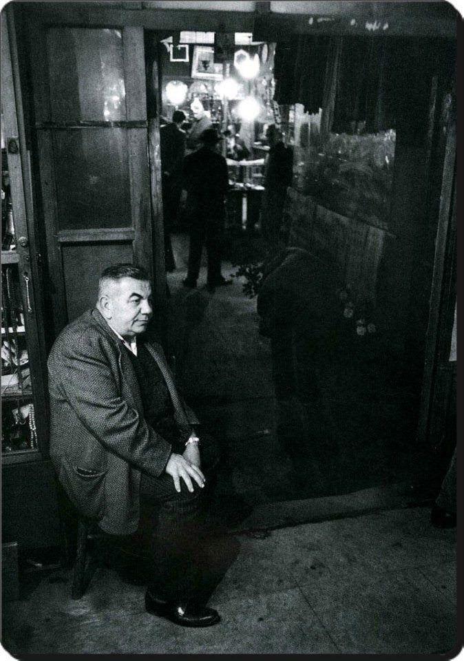 Kapalıçarşı'da bir esnaf - 1965