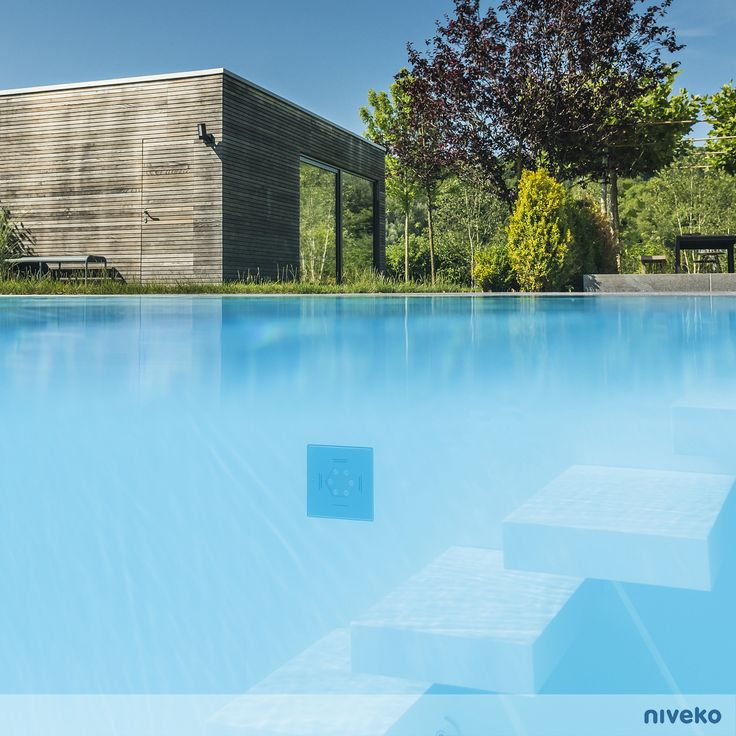 Lovely lines of floating steps…#lifestyle #design #health #summer #relaxation #architecture #pooldesign #gardendesign #pool #swimmingpool #pools #swimmingpools #niveko #nivekopools #nivekoplus
