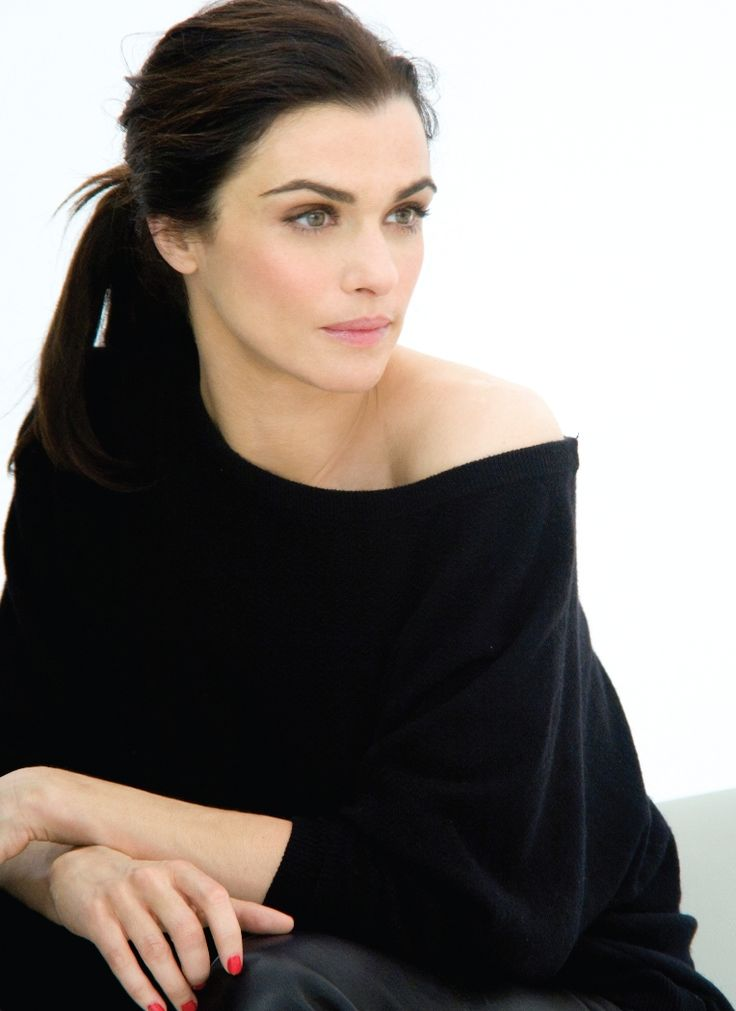 Rachel Weisz - love the make up, ponytail, jumper, all of it! <3