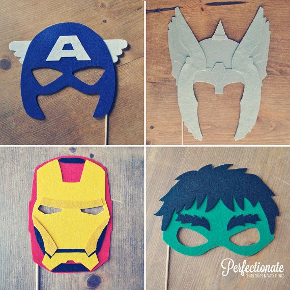 Une belle sélection de masques en papier. #superheros façon photobooth