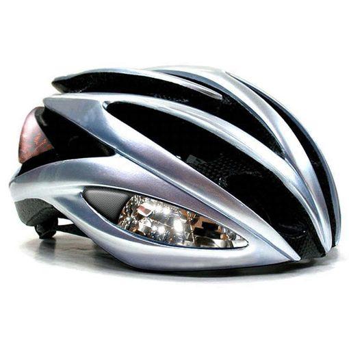 Casco da bicicletta può essere tranquillamente un anello