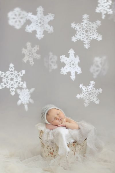 Newborn photo by Cream n' Cocoa photography