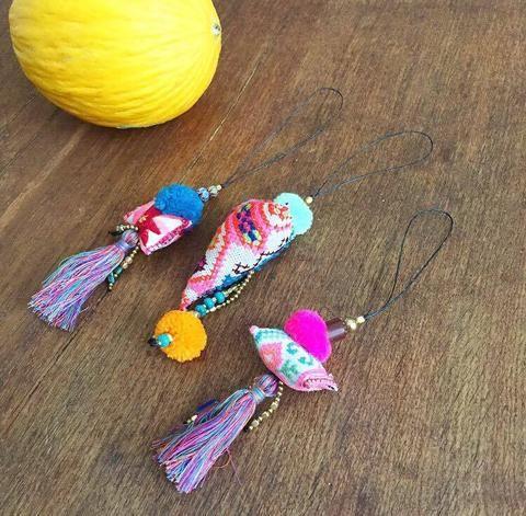 Multicolor dangle