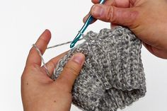 Free Crochet Boot Cuff Pattern* - ☆•★Teresa Restegui http://www.pinterest.com/teretegui/★•☆