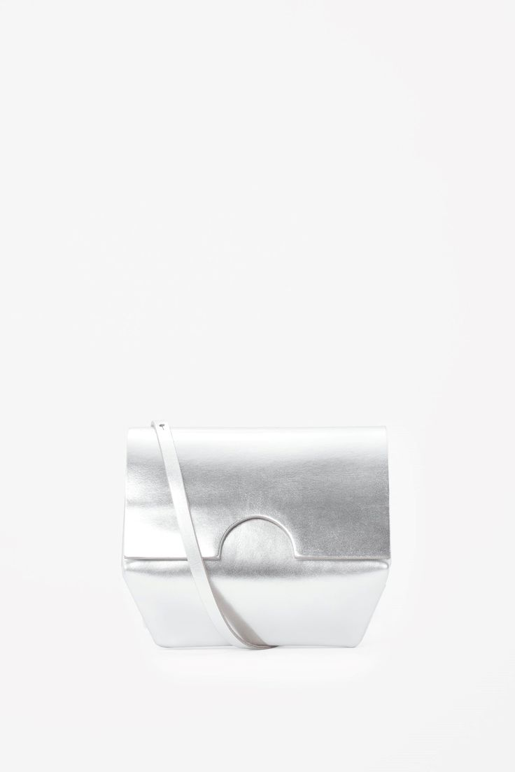 Small constructed bag in Silver