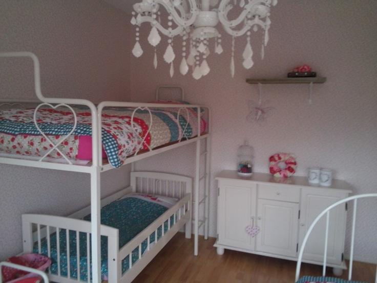 17 best images about kidskamers binnenkijken on pinterest cheque car room and scandinavian style - Kinderkamer taupe ...