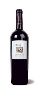 """""""Este vino ha sido elaborado para rendir homenaje a la variedad reina de nuestra tierra: la Monastrell. Por ese motivo Trapío es un Monastrell 100%. Sin compromiso y sin complejos."""""""