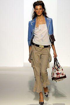 Marni Spring 2003 Ready-to-Wear Fashion Show - Kamila Szczawinska, Consuelo Castiglioni