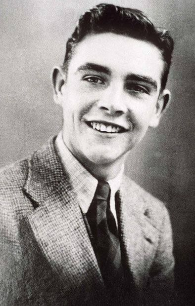 A very young Sean Connery!