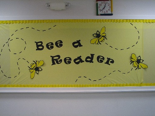 Bee A Reader Library InspirationLibrary IdeasSchool Bulletin BoardsBulletin Board DisplayLibrary BoardsLibrary DisplaysBook DisplaysLibrary DecorationsBee