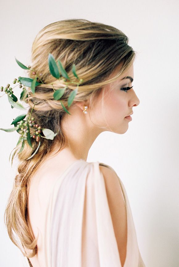 Natural and Organic Simplistic Wedding Hair