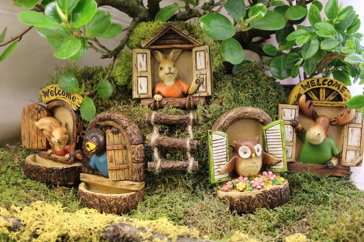 Hang these fun windows in your fairy or miniature garden!