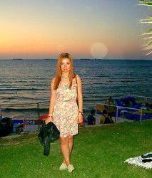Burcu Acem Turkish fashionista Rose Turkish
