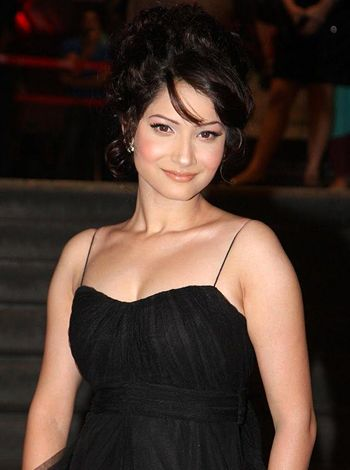 Is Ankita Lokhande a right choice for seen opposite SRK in Farah Khan's movie Happy New Year?