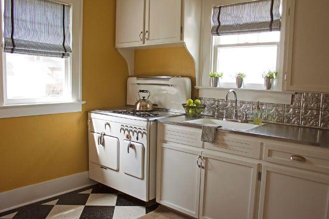 """That stove!!  Take a tour through the """"Itty Bitty Bungalow"""": A DIY renovation"""