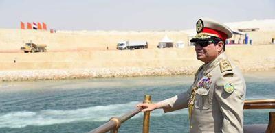 Le président égyptien a inauguré une nouvelle voie du canal de Suez - http://www.malicom.net/le-president-egyptien-a-inaugure-une-nouvelle-voie-du-canal-de-suez/ - Malicom - Toute l'actualité Malienne en direct - http://www.malicom.net/