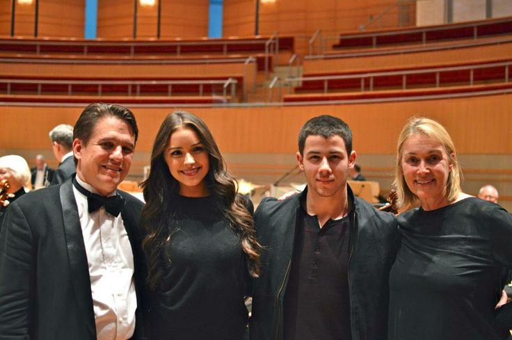 """Olivia Culpo, her mother and Nick Jonas together during the final stop on the """"The Very Best of the Boston Pops"""" tour in Costa Mesa. - http://missuniversusa.com/olivia-culpo-mother-nick-jonas-together-final-stop-best-boston-pops-tour-costa-mesa/"""