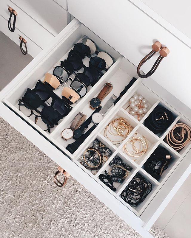 Acordar cedo para arrumar o closet (por dentro), check