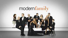Modern Family : Two Monkeys And A Panda | Season 2 Episode 17 Watch Full Episode - ABC.com