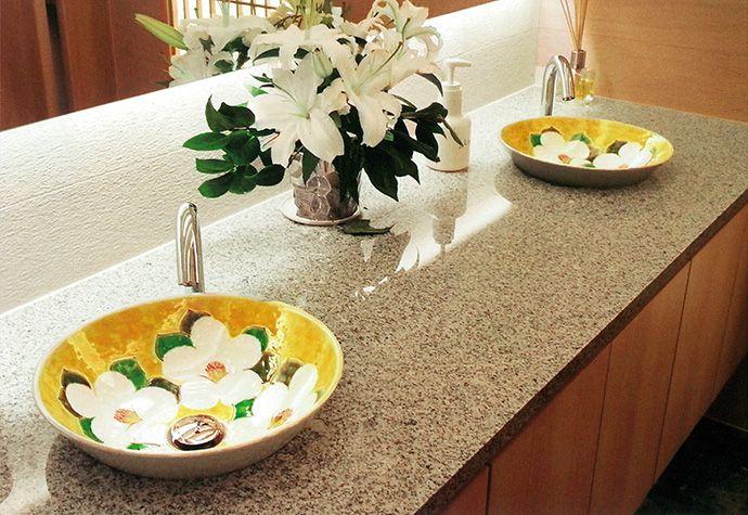 九谷焼 手洗い鉢 人気の黄椿柄 旅館や店舗でご利用が多いです 和風洗面 九谷焼ボウル 洗面ボウル ボウル 洗面