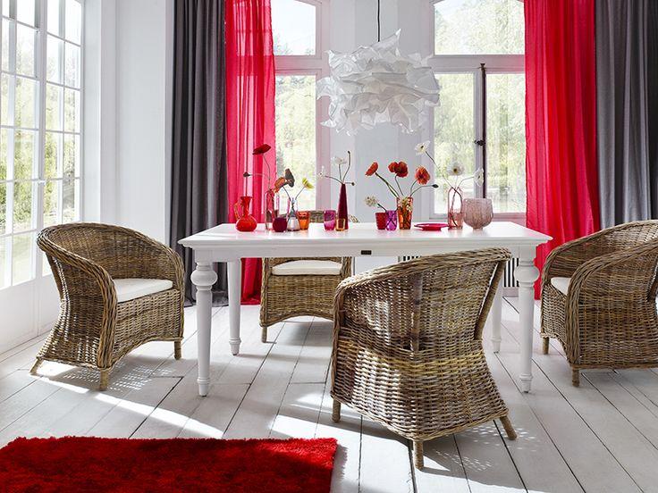 Eettafel Cottage wit hout 200cm van het merk Nova Solo. In Nederland te koop bij Meubelen-Online https://www.meubelen-online.nl/Eettafel-200cm-Cottage-wit-hout-
