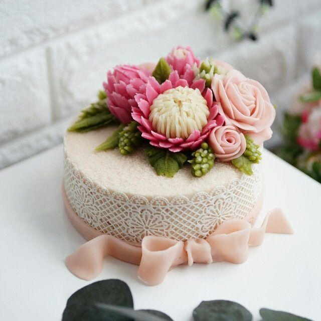 Buttercream king protea!! CAKEnDECO Soybean lace and soybean lace cream Patent application. International Cake Decoration Association New class open~~~♡ Soy bean paste craft flower ricecake. Soybean paste craft flower class Soy bean cream flower ricecake~♡