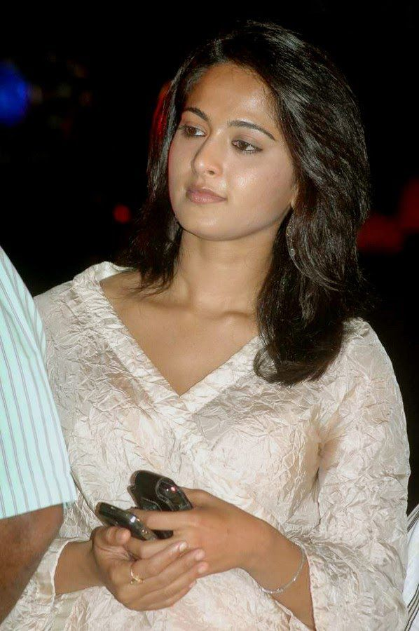 Anushka Shetty Beautiful Photos In White Dress - Anushka Shetty