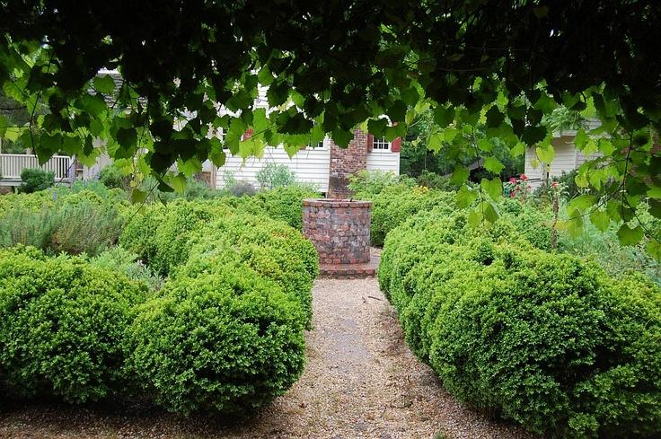 at the cemetery, walnut grove plantation essay Walls plantation records : walnut grove plantation records :  natchez trace small manuscript collections miscellany : box:  (frank e) essay : box.